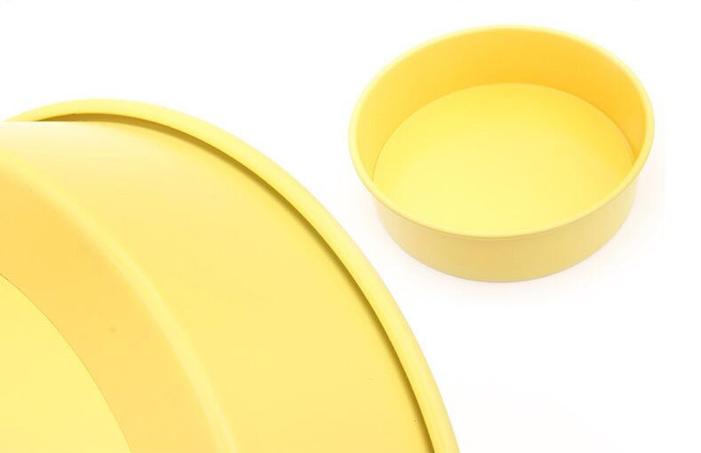 10' Carbon Steel Non-Stick Round Cake Pan With Removable Bottom -Yellow (16)