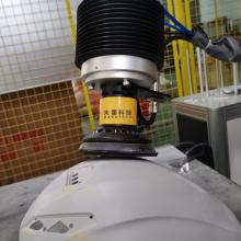 Модульная рабочая станция для шлифовки шлема из углеродного волокна