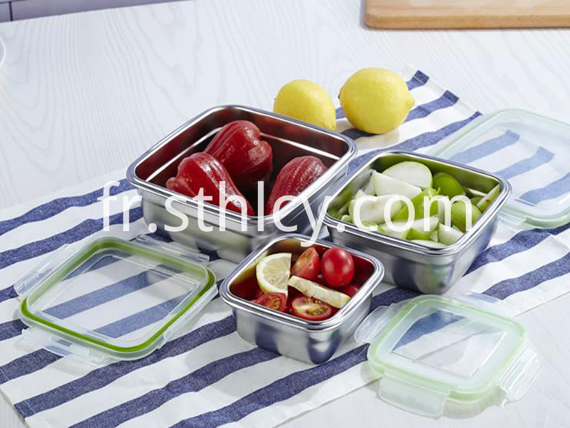 Square lunch box with lid