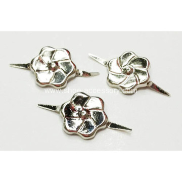 2 Prong Nailheads with Flower-Shaped