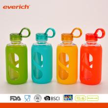Everich Hochwertige Borosilikatglas-Wasserflasche mit Silikonhülle