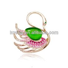 Chine gros broche en or opale bijoux broches élégant cygne forme accessoires de vêtements