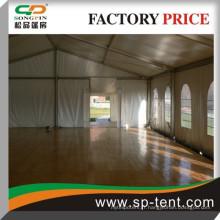Petite tente d'événement 8x20m en aluminium pour événement extérieur avec système de plancher en bois