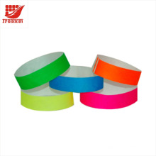 Bracelets Tyvek bon marché jetables promotionnels loin disponibles, bande d'identification