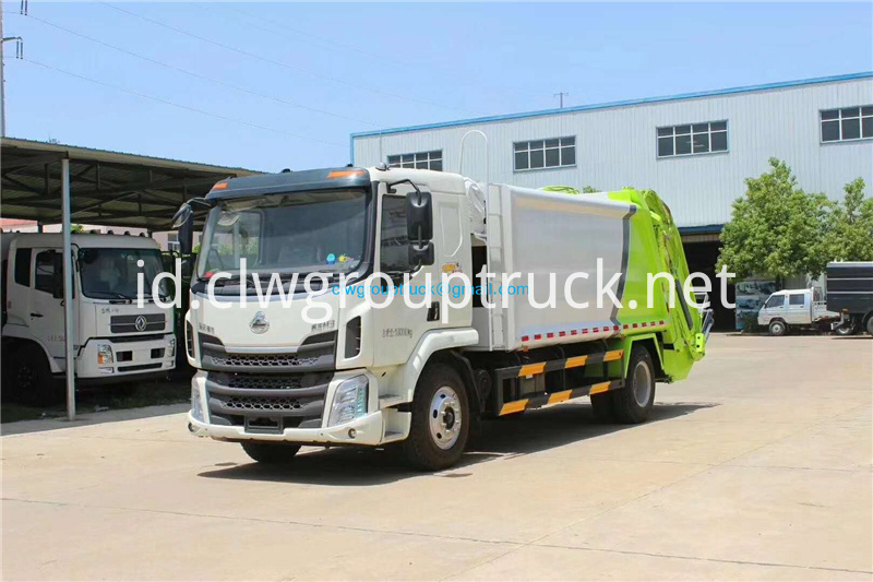 Compressed Refuse Truck 5
