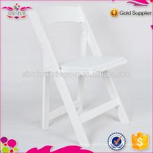 Fabrication de chaises pliantes en résine extérieure en Chine