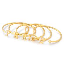 Kleiner Auftrag Trendy Edelstahl Manschette für Frauen Mädchen Gold Crystal Letter Armband