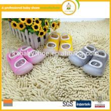 Heißer Verkauf neue Art Anti-Rutsch-Gummisohle Baby-Sockenschuhe