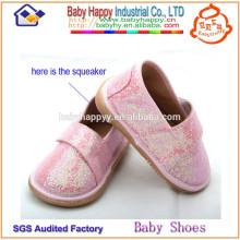 Nuevos zapatos chillones del niño caliente de la venta del diseño para las muchachas