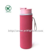 Стеклянная бутылка с крышкой из полипропиленового неопрена с наружным чехлом,,,