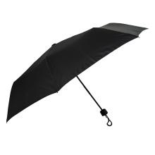 gummibeschichteter schwarzer Regenschirmmann