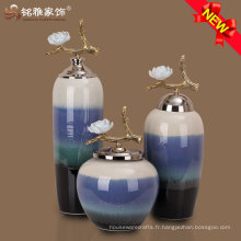 trois couleurs en céramique en porcelaine en porcelaine avec couvercle