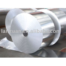 Feuille d'aluminium contenant Pain enorme