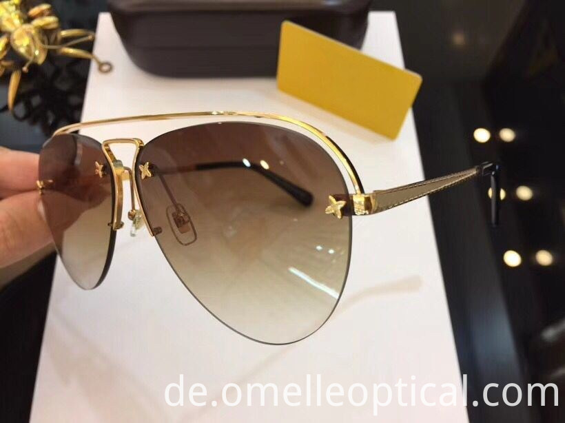 Oval Type Sunglasses