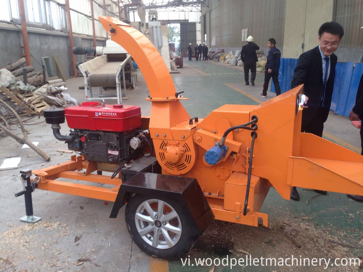 diesel wood chipper