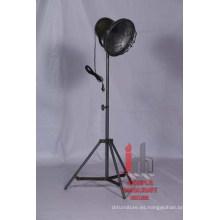 Lámpara de pie de diseño de hierro