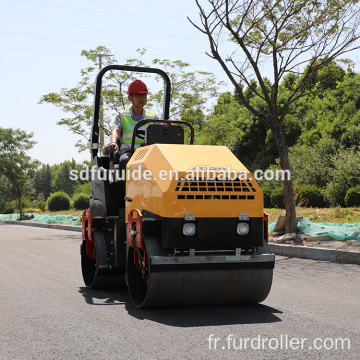 2 Ton Vibratory Mini Road Roller Compactor for Sale (FYL-900)