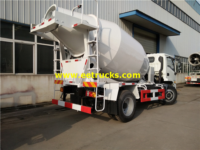 Small Concrete Mixer Truck