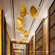 Suspension en cristal d'ambre en forme de feuille personnalisée d'art