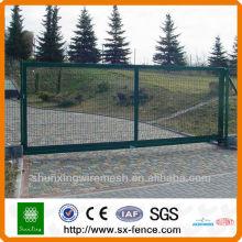 Porte de ferme revêtue de poudre