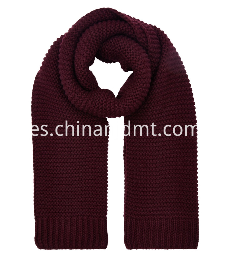 burgundy-knitted-scarf