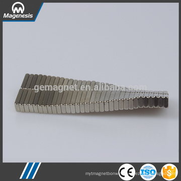 Service supremacy hot sell strong thin ferrite magnets