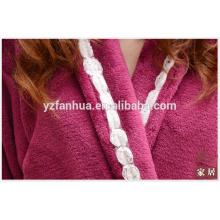 Super albornoz suave paño grueso y suave de las mujeres para las mujeres con decoración en solapa