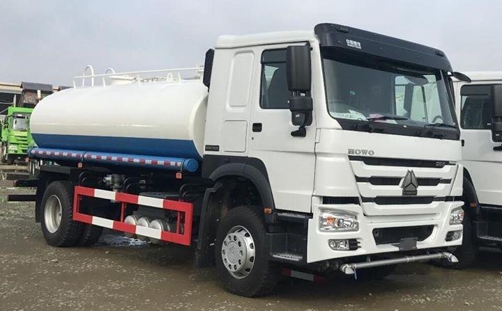 15m3 Sinotruk 4x2 Water Truck