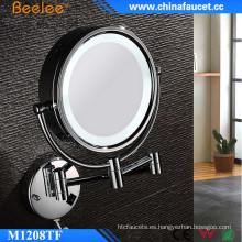 Espejo LED compacto fino de Beelee con lupa 3X
