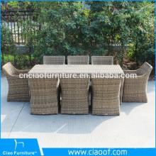 Rotin de meubles de salle à manger en plein air sculptés à la main de style occidental