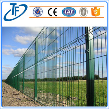 Welded wire mesh fence for garden