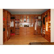 Muebles caseros americanos clásicos del estilo