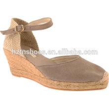 2016 Primavera Mulheres Wedge Sandals Close Toe High Heel Bombas