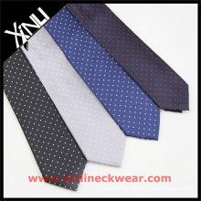 Puntos en tela de corbata tejida seda de tierra diferente