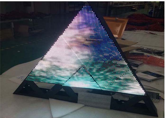 customized size triangle led display full color