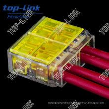 Empuje en el conectador de la junta del alambre, aislamiento que desprende libremente