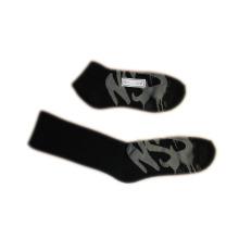 Moda hombres mujeres deportes calcetines con algodón negro (fss-05)
