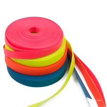 Sangle en nylon enduite imperméable synthétique de PVC de 1 pouce 25 millimètres pour faire le collier et la laisse de chien