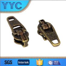 Фабрика Yyc Zippers фокусируется на продуктах обеспечения качества