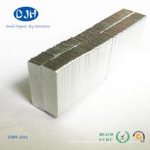 El tamaño del imán de la tierra rara del revestimiento del cinc de N48h puede ser modificado para requisitos particulares