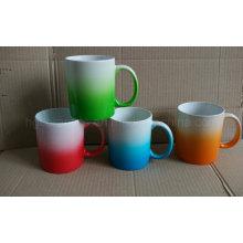 Staffelungs-Änderungs-Farben-Becher, Spray-Farben-keramischer Becher