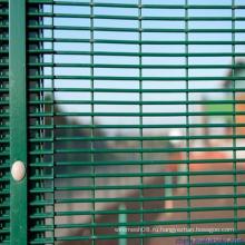 358 Высокий забор безопасности для зоны строительства