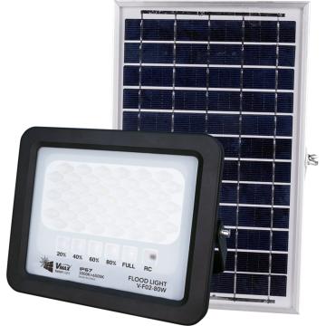 projecteurs solaires montés sur poteau