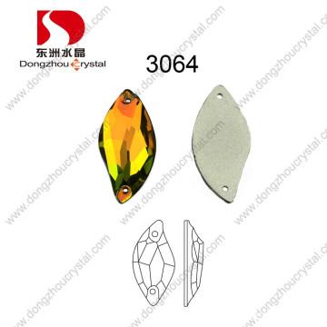 China Großhandelshohe Brechung führen freie Maschine geschnittenen dekorativen losen Flatback Kristall für Hochzeits-Kleid