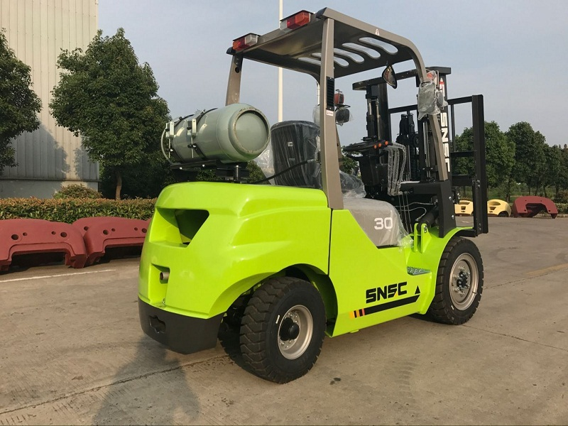 3t gas forklift to Guatemala from sheri (1)