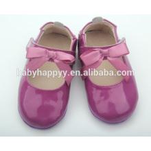 Zapatos púrpuras del bebé de los zapatos de bebé de los zapatos de cuero del precio de fábrica
