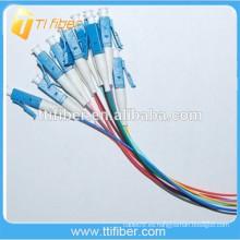 Colores de la cola de la fibra de LC / UPC 12