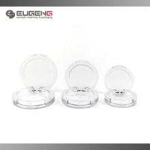 Klare leere Blush-Container mit unterschiedlicher Größe