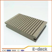 WPC resistente a la grieta decking de buena calidad de madera de plástico compuesto de tablero sólido WPC bordo bajo precio barato