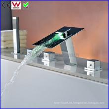 China grifo de la bañera LED del baño y ducha grifo (FD15300F)